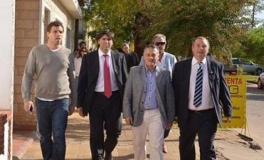 Bossio firmó acuerdos de cesión de lotes para el PRO.CRE.AR