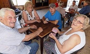 Encuentro de  Adultos Mayores en el Campo de Deportes