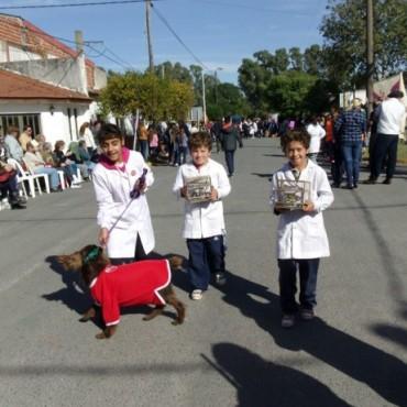 Exitoso Desfile de Mascotas