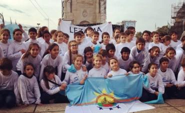 Alumnos de Lezama realizaron la Promesa a la Bandera en Rosario