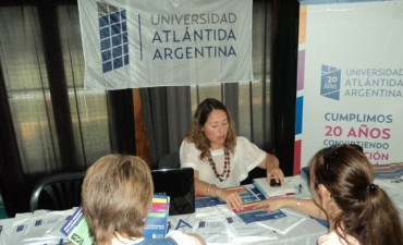 Expo distrital Cursos y Carreras 2015