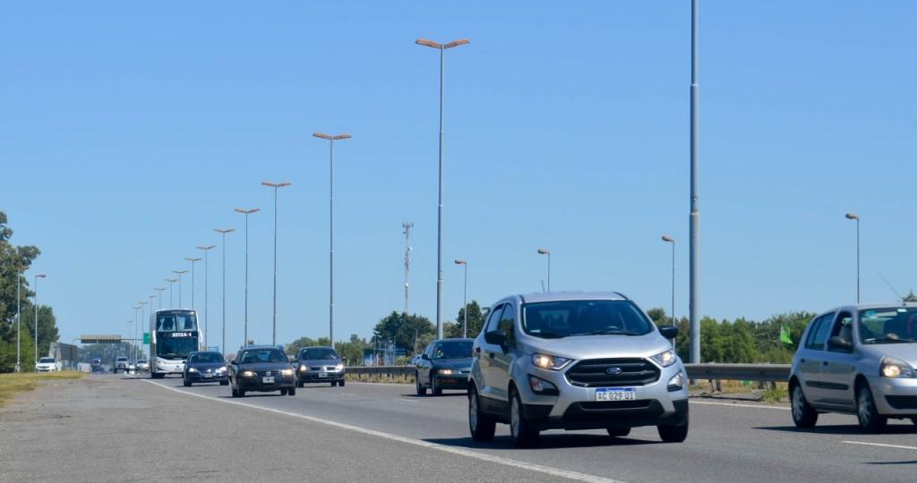 Con números de temporada de verano, es intenso el tránsito hacia la Costa