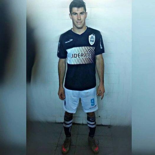 Leo Arroupe es jugador de Sportivo Las Parejas