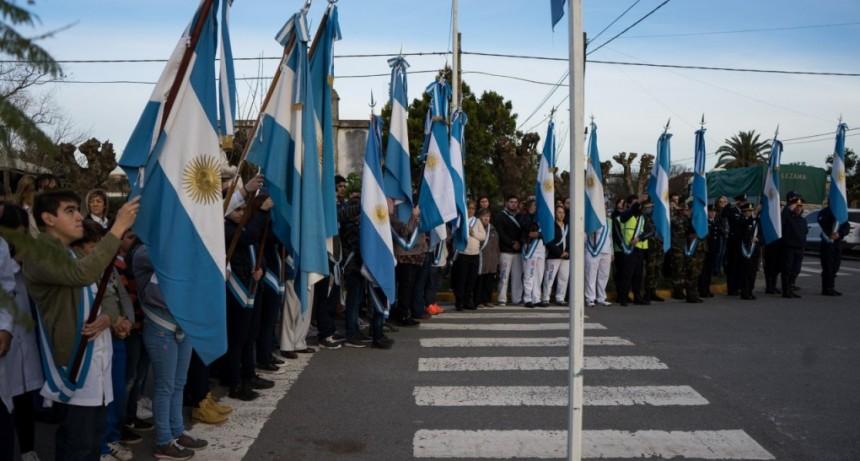 Alumnos de 4º Año realizaron la Promesa de la Bandera