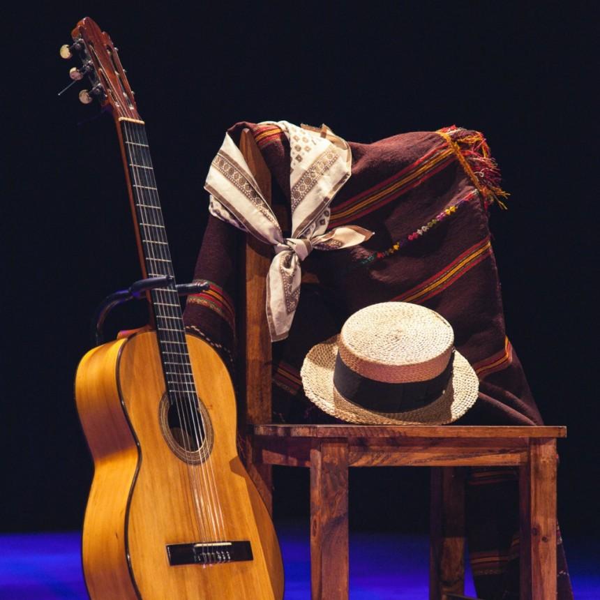 La guitarra de Don Aldo Crubellier ya integra el patrimonio cultural de Lezama